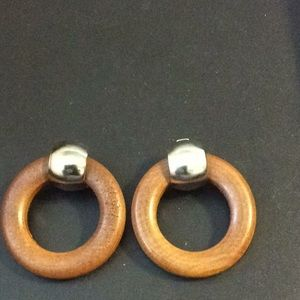 WOODEN CIRCLE EARRINGS WITH SILVER